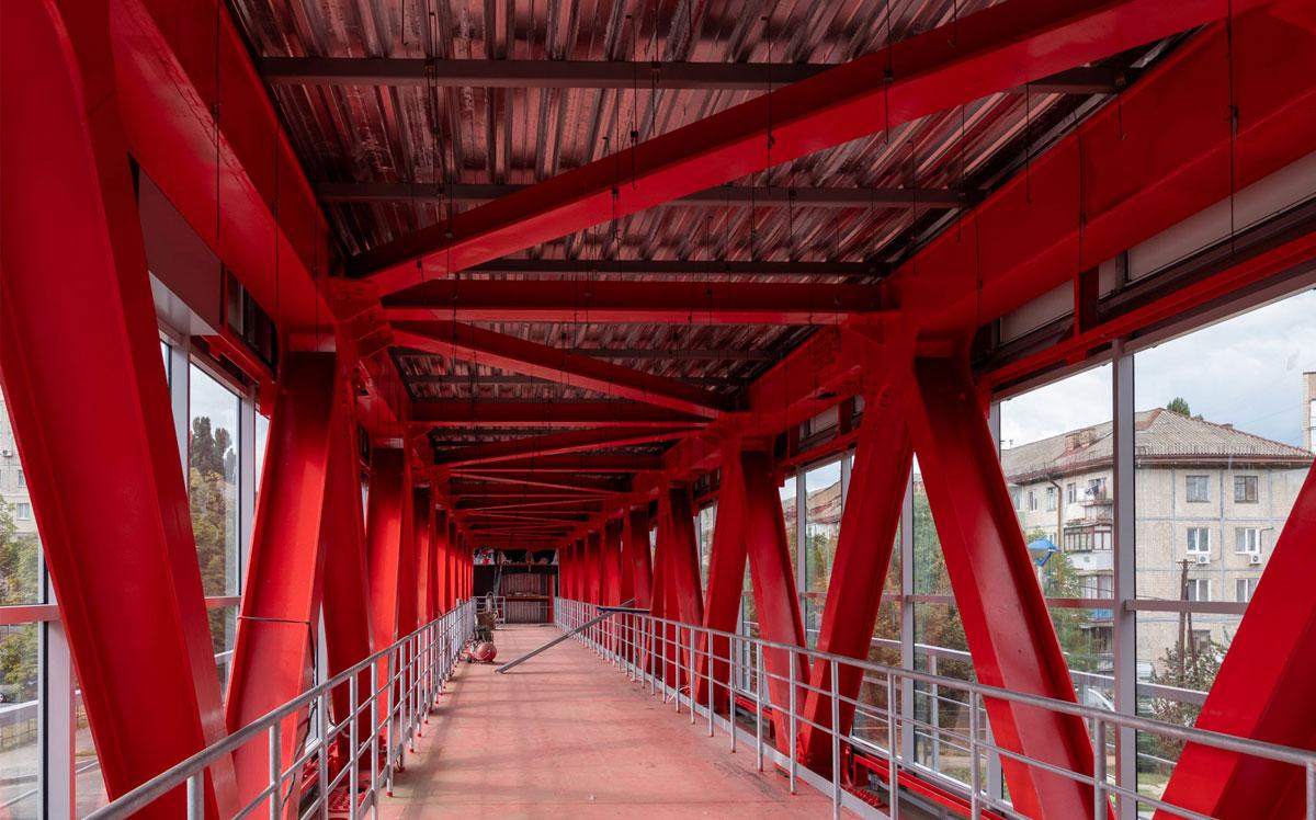 Пешеходный мост на Василенко