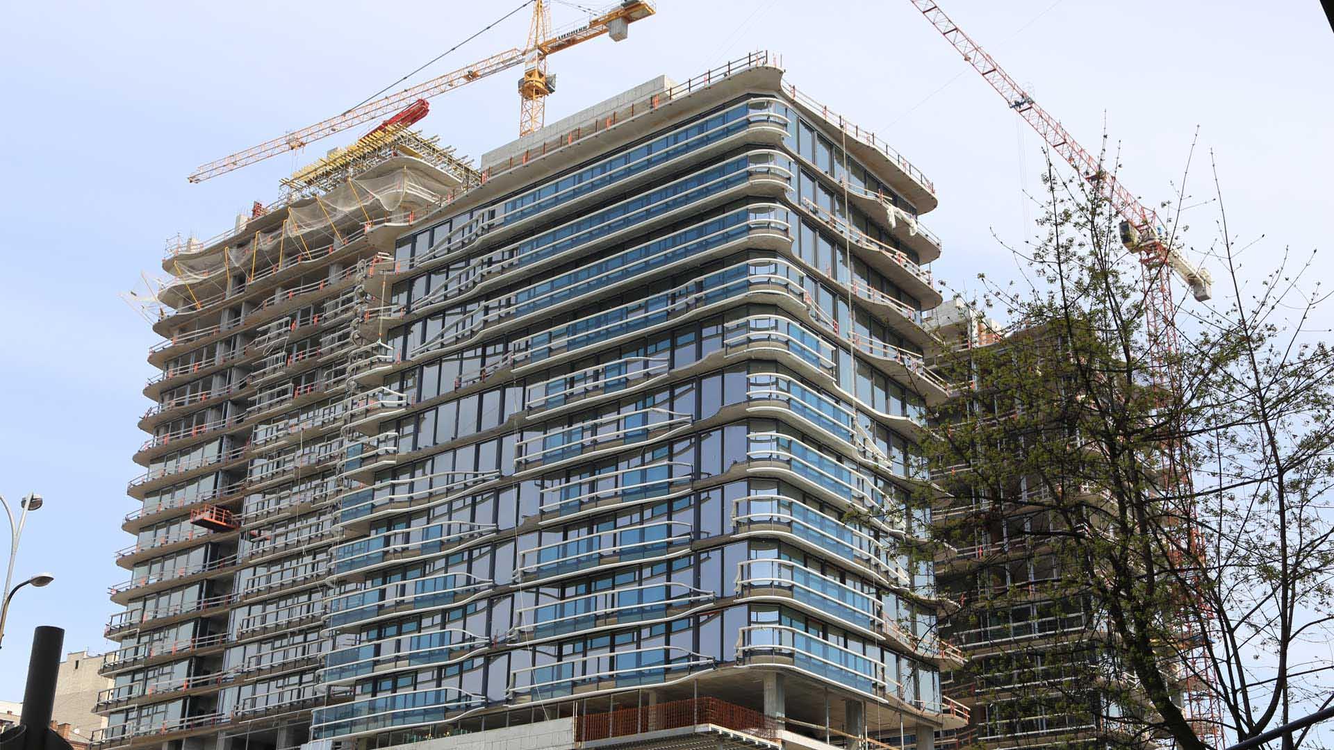 Комерційні і житлові будівлі